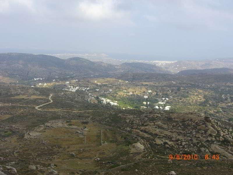 Ποταμιά με φόντο τη Νάξο-Potamia with background of Naxos